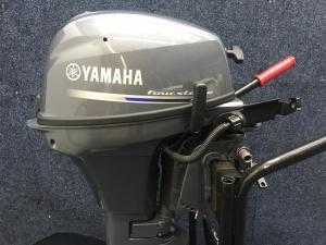 Yamaha kortstaart F8 met afstand bediening