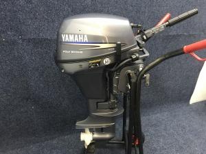 Yamaha 8 pk kortstaart 6 pk stikker op de kap