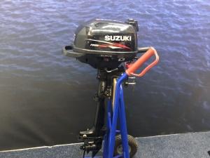 Suzuki 2.5 kortstaart