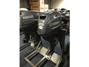 Yamaha F25 langstaart