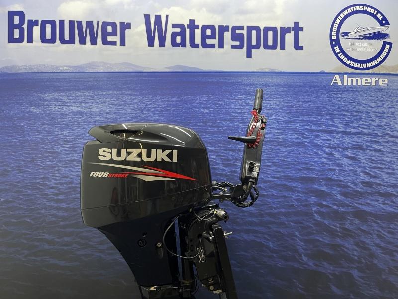 Suzuki 40 pk  buitenboordmotor langstaart el start powertrim knuppelbesturing