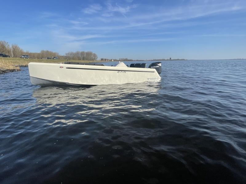 Bronson 25 Bullit Tender Yacht by Steeler