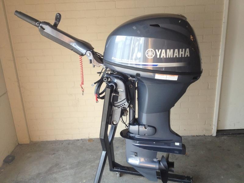 Buitenboord motor Yamaha 50 pk F50 FETL op knuppelbesturing